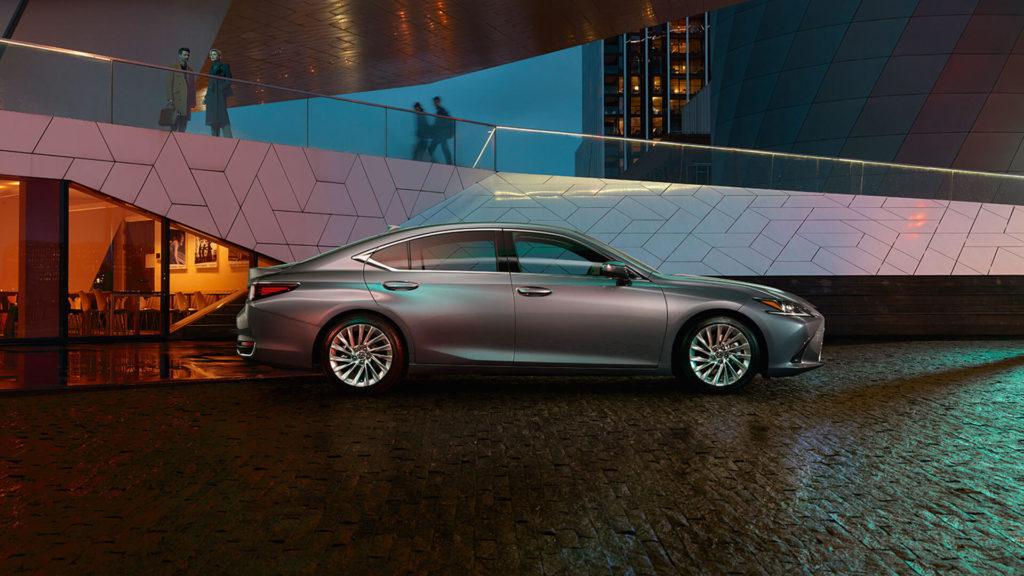 Lexus ES_3