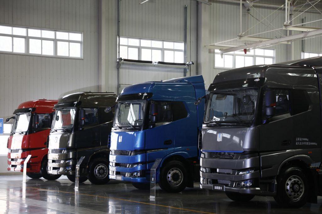 Тяжелый грузовой автомобиль на метаноле