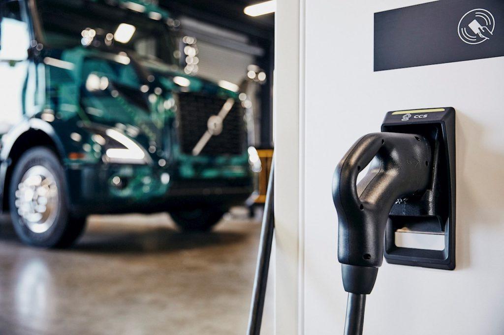 ABB для электрических грузовиков Volvo