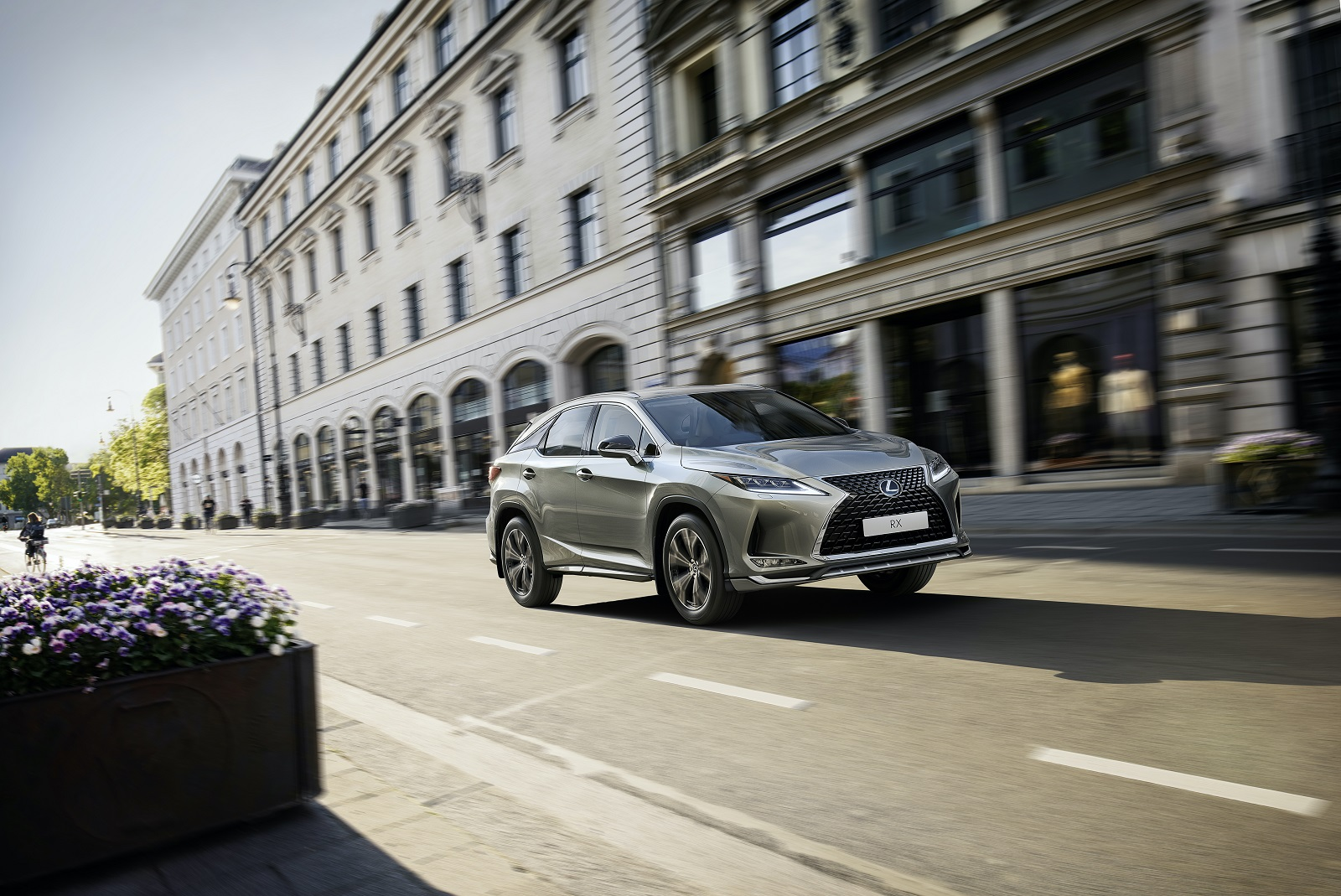 Стартовали продажи спецверсии Lexus RX Black Vision