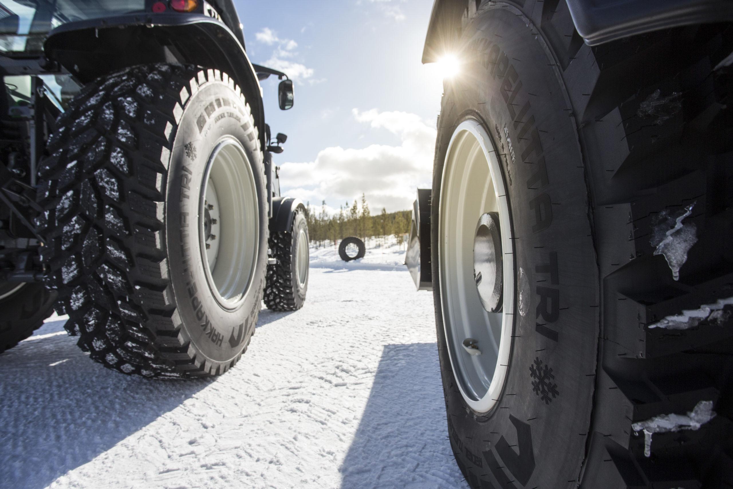 Nokian представила новые типоразмеры шин Hakkapeliitta TRI для компактных тракторов