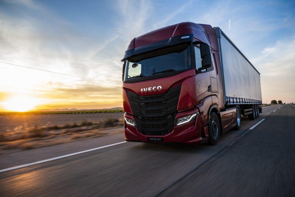 IVECO и Plus разрабатывают автономный грузовой транспорт