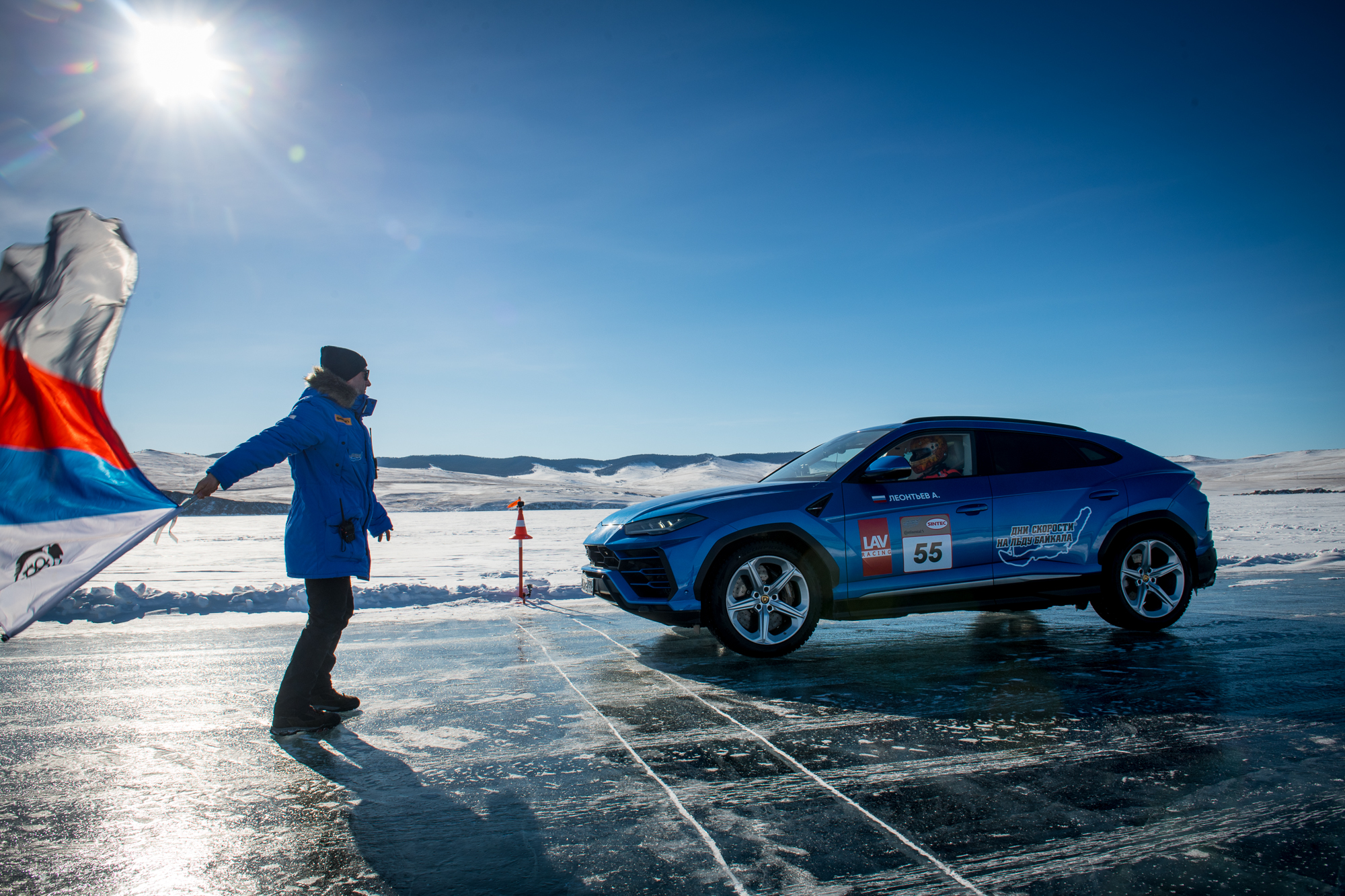 В Росси официльно зарегистрировали рекорд скорости Lamborghini Urus на льду Байкала