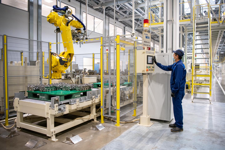 Компания Hyundai открыла завод двигателей в Санкт-Петербурге